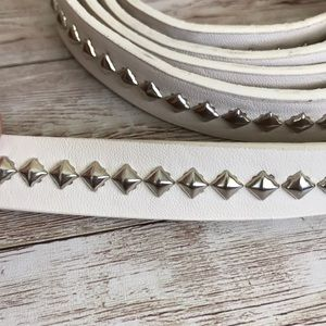 Torrid White and Silver Studded Belt Size 4